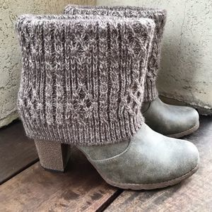 Muk Luks Faux Suede Sweater Heeled Boots Sz 9